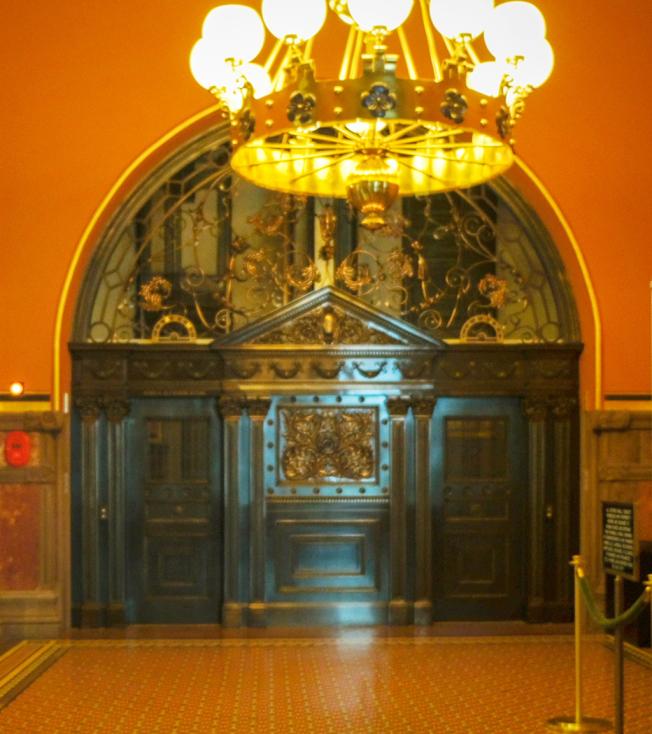可視為藝術品的電梯門。