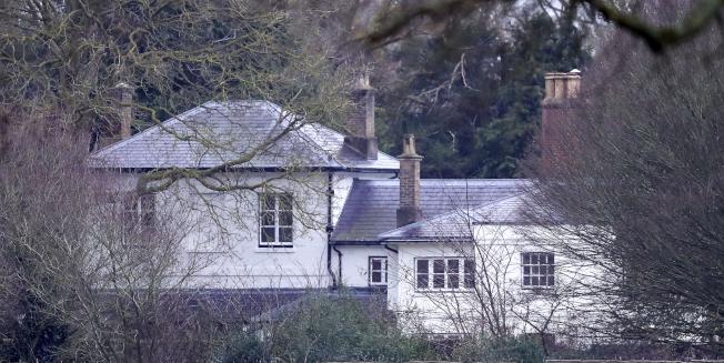 哈利王子和妻子梅根承諾歸還整修住所的240萬鎊開銷,圖為哈利夫婦婚後居住的弗洛格摩別墅。(美聯社)