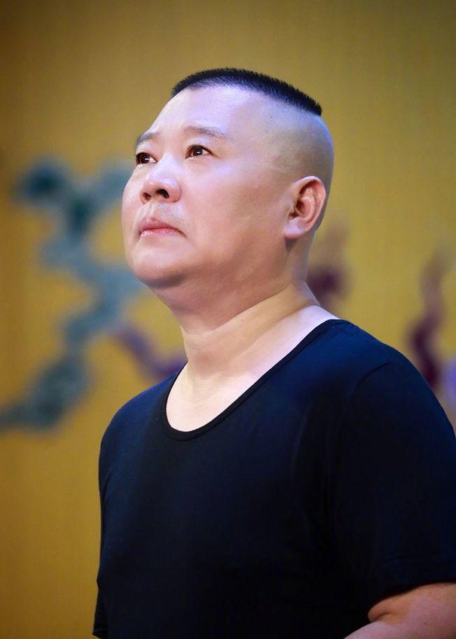 郭德綱和他的「德云社天團」是天津衛視春晚最大的亮點。(取材自微博)