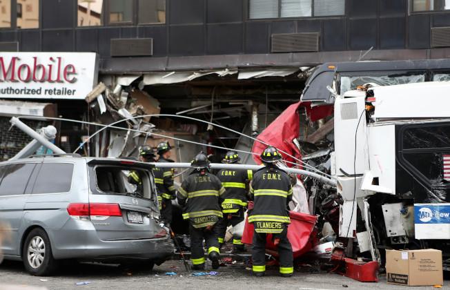 車禍發生時,專家建議按照六個步驟才能臨危不亂。圖為示意圖。(新華社資料照片)