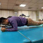 棒式運動姿勢錯誤 恐傷關節