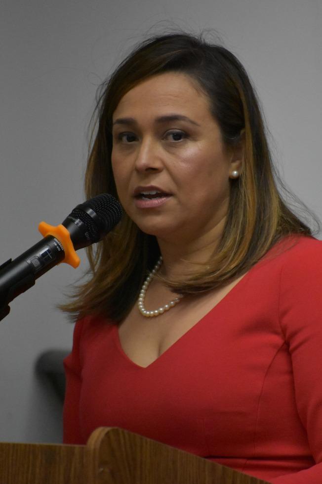 第1席法官候選人西裔伊瑪麗。(記者李秀蘭/攝影)