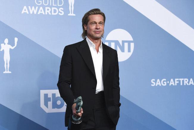 布萊德彼特(Brad Pitt)憑藉「從前,有個好萊塢」(Once Upon a Time in Hollywood)獲得演員工會獎(SAG Awards)最佳男配角獎。(美聯社圖片)