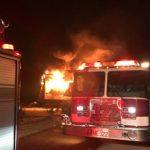 15號公路聯結車追撞起火 好心人喪生