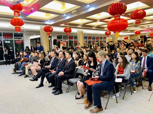 230多名各族裔學生參加活動。(記者鄭怡嫣/攝影)