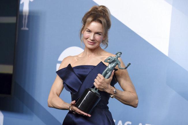 蕾妮茲薇格再進帳最佳女主角,下一步就鎖定奧斯卡影后了。(美聯社)