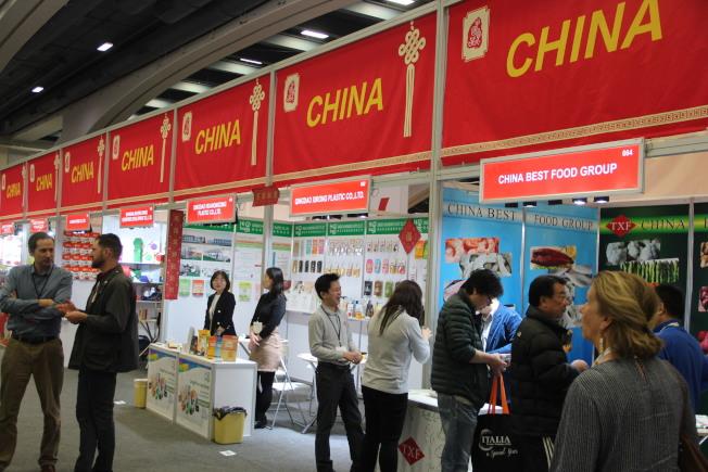 中國食品展區,有兩家空置。(記者李晗 / 攝影)