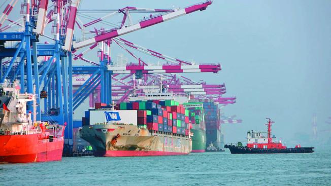 台灣經濟部公布12月外銷訂單金額為437.8億美元,終止連13黑。(本報資料照片)