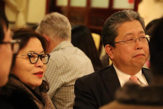 台北經濟文化辦事處處長劉經巖及夫人喬貴玉在歡送宴席上。(記者陳淑玲/攝影)