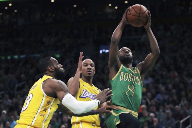 NBA/雙喜臨門!綠衫勝紫金止連敗 沃克對詹皇生涯首勝