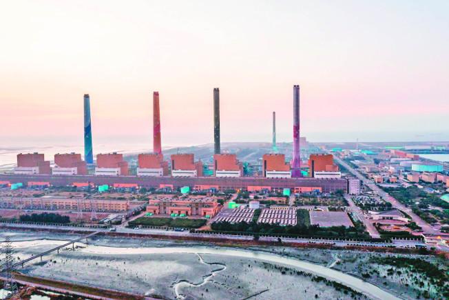 環保署環評大會20日審查中火新建燃氣機組計畫,多個在地縣市和環團主張燃煤機組應先除役。(本報資料照片)