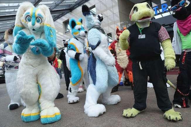 喜愛著獸裝扮獸人者17日在聖荷西舉行獸聚活動。圖為先前的類似獸聚活動。(Getty Images)