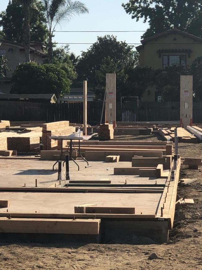 加州房屋合法加建ADU(Accessory Dwelling Units)風潮方興未艾,華人聚居的聖蓋博谷自不例外,天普市、艾爾蒙地、巴沙迪那都有不少建案,建築師與營建商忙得不得了。(建築師張守一提供)