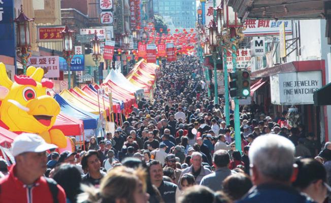 舊金山人口稠密,華埠的居住密度更高。(本報檔案照片)