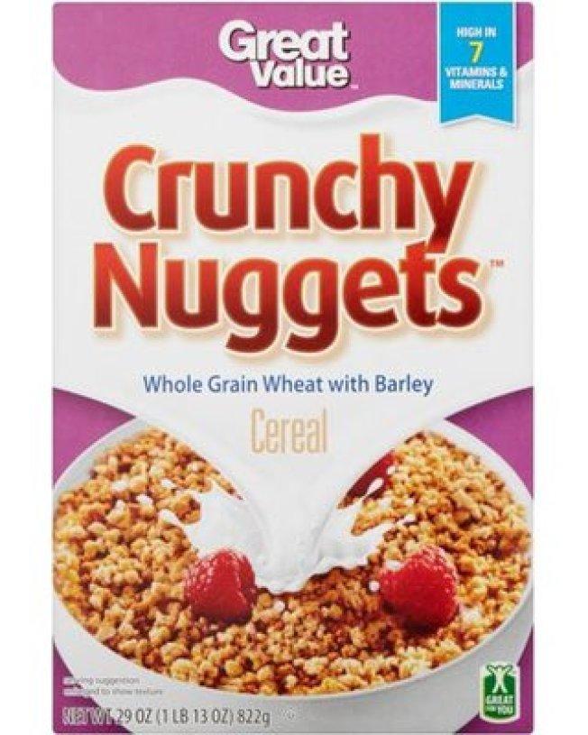 連鎖超市沃爾瑪以及Aldi,都有自家品牌的穀片,種類與知名品牌雷同,且比好市多便宜。圖為沃爾瑪Great Value穀片Crunchy Nuggets 。(取自推特)