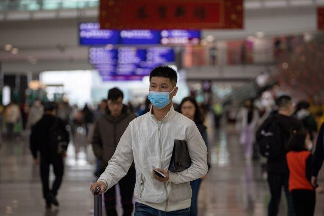 武漢新型冠狀病毒肺炎疫情擴散導致亞洲股市下挫,而在美國華盛頓州21日發現第一個確診病例後,美股也受牽連。(歐新社)