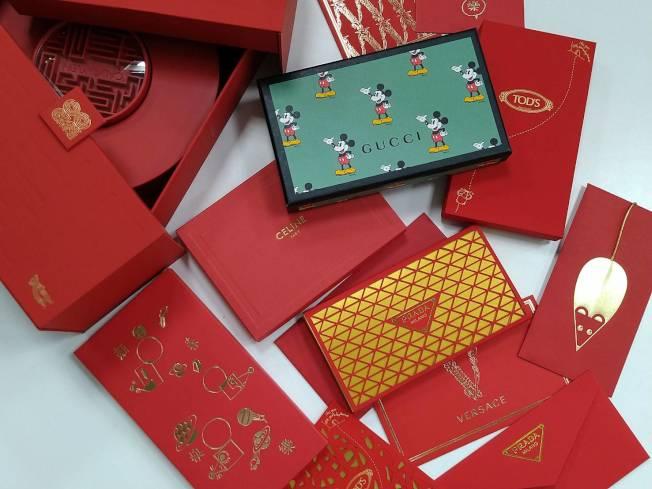 每一年精品品牌都會絞盡腦汁,特別為華人市場的需求推出特製的紅包袋。記者黃仕揚/攝影