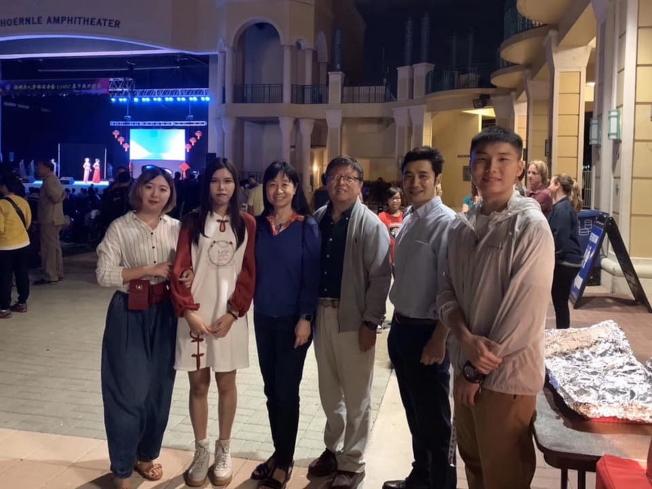 FAU CSSA學生會,左起馮穎琪、王霽弢、徐文強、孫銘陽和王宇詩。(佛州華聯提供)
