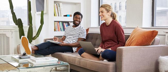 近幾年來,紐約市租房市場持續火爆,房租節節上漲,再加上紐約市房價持續高企,愈來愈多的年輕人選擇與同齡人合租。(取自Bungalow)