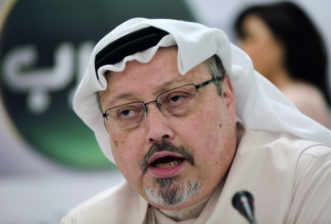 亞馬遜創辦人與「華郵」老闆貝佐斯的手機遭駭,據說與沙烏地阿拉伯王儲有關。圖為被沙國情報人員殺害的原華郵專欄作家卡舒吉。(美聯社)