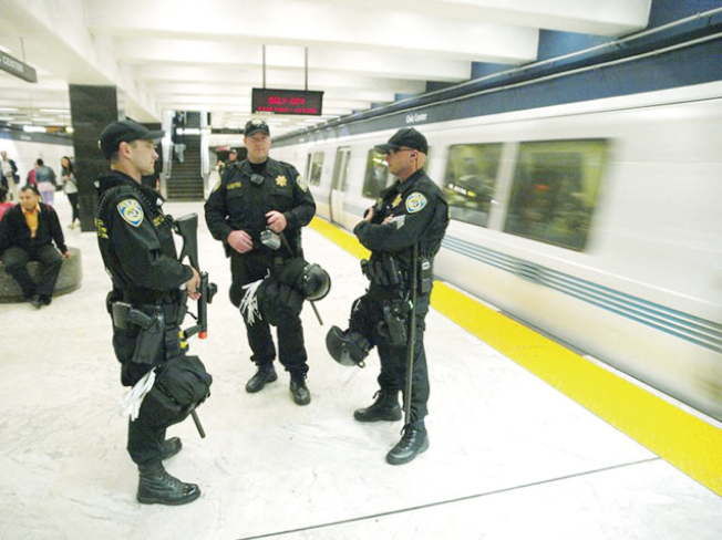捷運乘客投訴,列車和車站都很少見到警察,因為沒有警察,所以經常發生罪案。圖為舊金山金融區一個捷運車站。(Getty Images)
