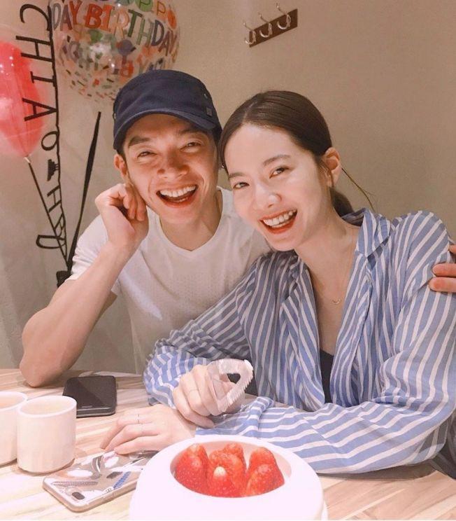 曾之喬(右)與辰亦儒宣布結婚。(取材自IG)