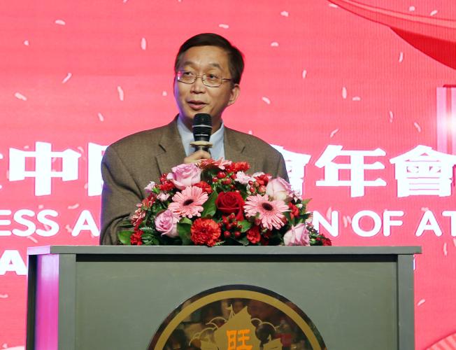 郭保剛在中國商會年會主講中美關係的現狀和未來。(記者張蕙燕/攝影)