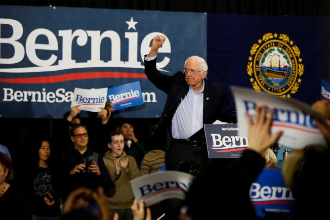 民主黨總統提名參選人桑德斯在新罕州人氣高漲,遙遙領先其他參選人。(路透)