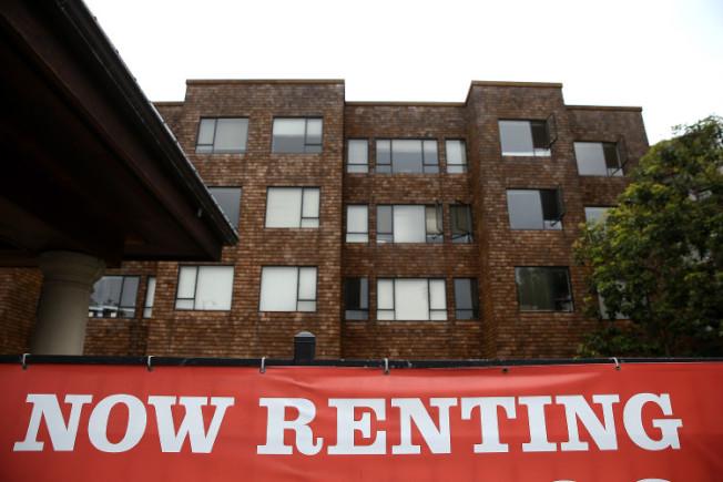 灣區公寓租金終於漲幅減緩,不動產專家認為與以往急升相比,現在可說是急降。(Getty Images)