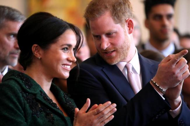 哈利王子與梅根被八卦媒體惡意攻擊弄得離開英國,對方卻仍不罷休。圖/路透資料照片