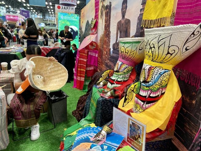 泰國展位可手繪鬼面具。(記者鄭怡嫣/攝影)