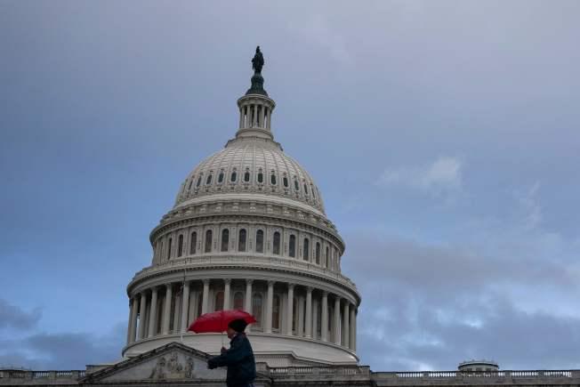 25日,川普辯護團隊為彈劾審理作辯方陳詞。(Getty Images)