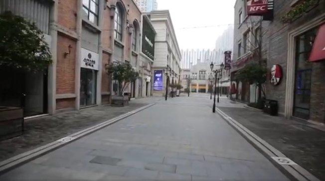 影片創作者林晨拍攝武漢封城後24小時的影片,把內部情況告知外界。 圖/擷自臉書影片