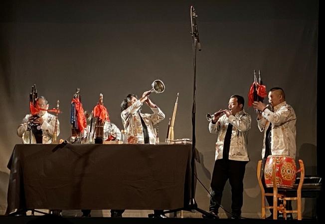 「周家班」在法拉盛文藝中心舉行紐約首演。(記者朱蕾/攝影)