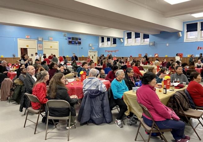 農曆新年慶典吸引超過200名各族裔民眾參加。(記者朱蕾/攝影)