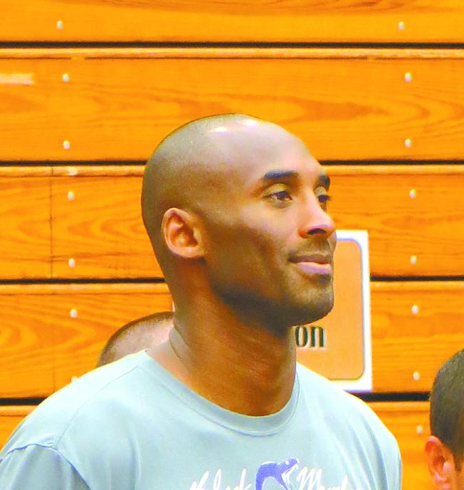 洛杉磯世界日報20147月舉辦第2屆美國加州Kobe Bryant 籃球夏令營,柯比親自督陣。(本報檔案照)