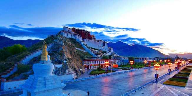 為防堵武漢肺炎蔓延,西藏宣布,暫停全區旅遊景區接待遊客。(央視網)