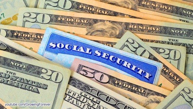 未滿完全退休年齡前工作同時領取社安金的人,在2020年,社安署對1萬8240元以上的收入,每超過2元扣減1元福利。(取自YouTube)