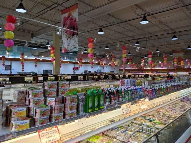 27日百佳超市正常營業,駁「封店」謠言。(記者蕭永群/攝影)