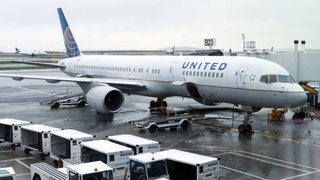 美國聯合航空28日宣布,暫時減少美國往返中國三個城市的部分航班。Getty Images
