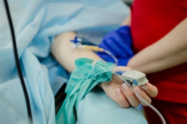 武漢肺炎疫情延燒,巴西衛生部28日證實,米納斯吉拉斯州一名曾前往中國的22歲女學生出現感染症狀,是巴西首例疑似病例。(示意圖/圖取自Unsplash圖庫)