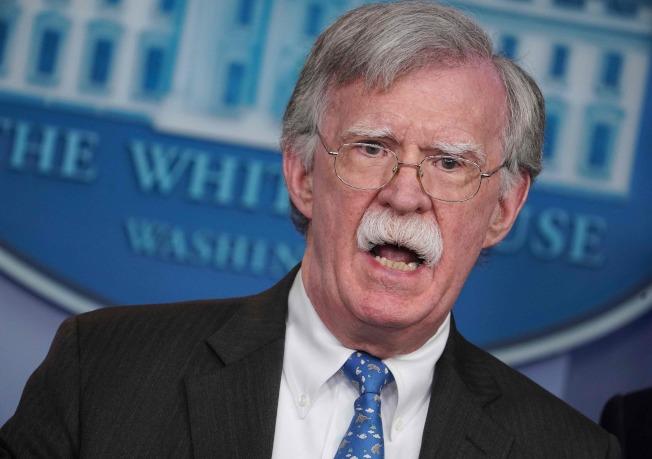 民主黨盼前任國家安全顧問波頓能在參院作證,圖為波頓去年一月檔案照。(Getty Images)