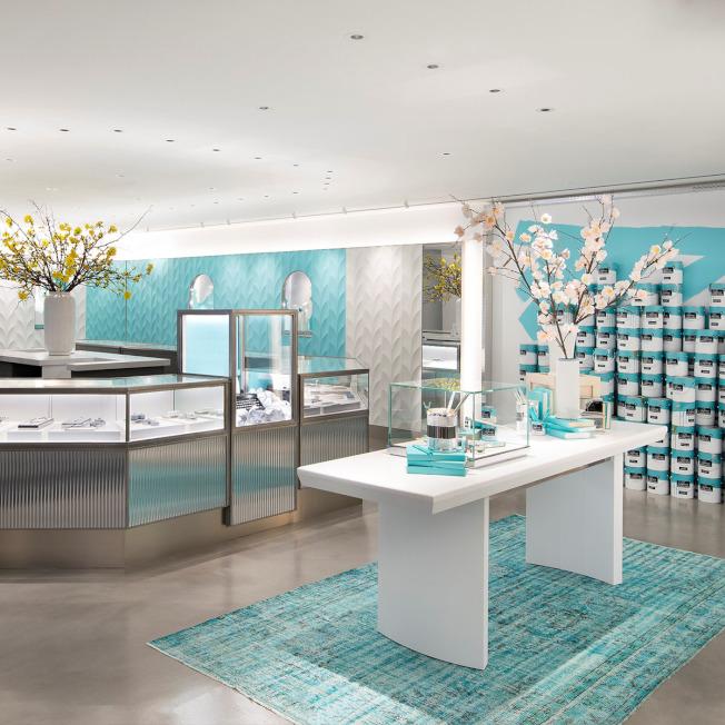 设计师采用品牌的各种经典元素来装饰Tiffany Flagship Next Door旗舰快闪店每个楼层,呈现不同的视觉效果。图/摘自Tiffany &Co. facebook fanpage