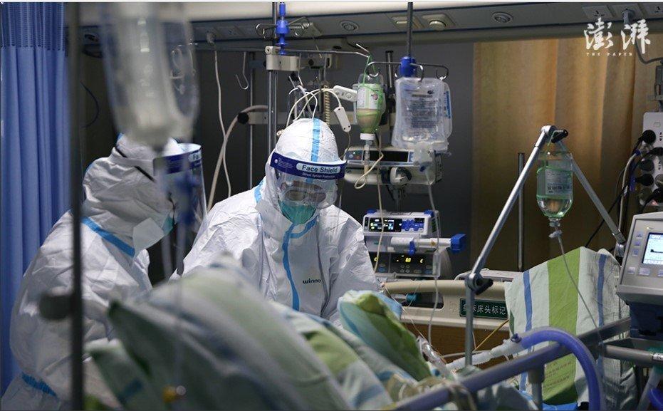 �D�槲�h中南�t院重症隔�x病房�t�o人�T在救治新型冠�畈《痉窝谆颊摺#ㄈ∽陨虾!杜彀菪侣�》)
