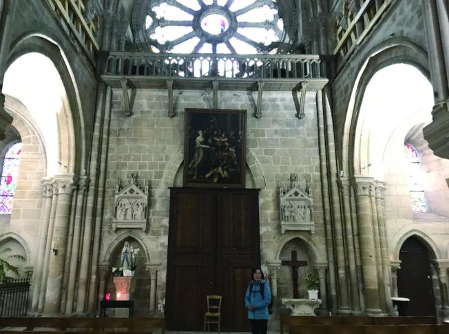 奧維教堂的內部。(沈可平.圖片提供)