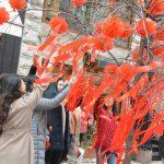 麥迪遜大道慶新春 千人許願樹下祈願