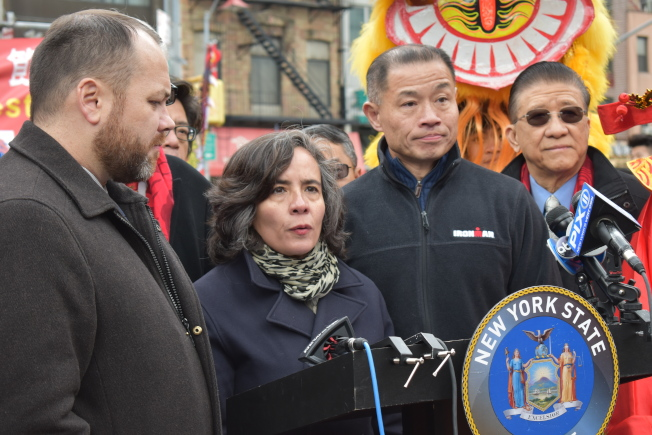 市衛生局長巴博特表示目前紐約仍無確診案例,呼籲民眾勿恐慌。(記者顏嘉瑩/攝影)
