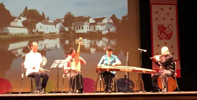 OCPA 2020春節聯歡晚會節目之一 民樂演奏;楊瑞、楊劍萍、姚安及唐常魁。(記者陳文迪/攝影)