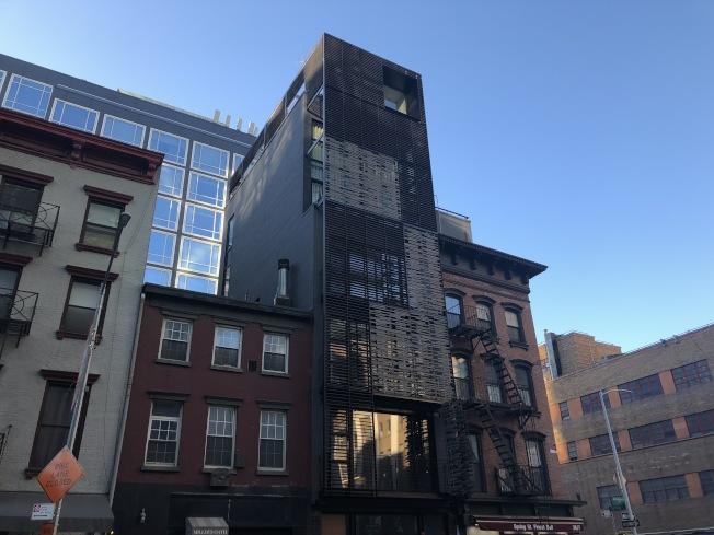 新建成的公寓因大多配備電梯、健身房、游泳池等完善設施,租金肯定來的貴。(記者顏潔恩/攝影)