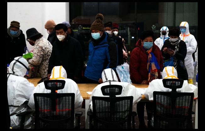 位於武漢市江漢區武漢國際會展中心的「方艙醫院」正式啟用,開始接收新型冠狀病毒感染的肺炎輕症患者。這座「方艙醫院」名為江漢方艙醫院,床位數1600張。(新華社)
